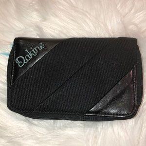 Dakine Wallet Excellent Condition